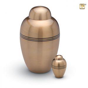 Messing urn, ronde vaasvorm met matte goudkleur en drie ringen