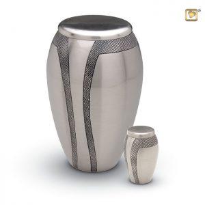 Messing urn matte zilverkleurige urn met decoratie