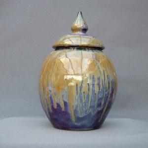 Keramische eigen ontwerp urn, Aarde